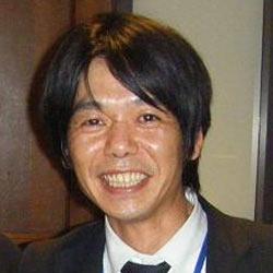 梶原 靖英 先生